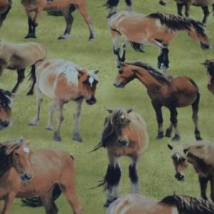 Patchworkstoff Pferde auf der Wiese